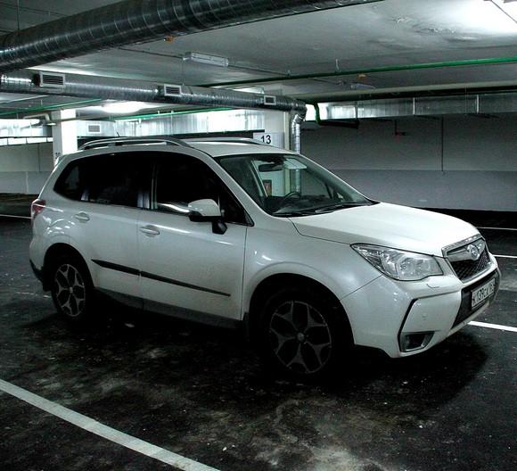 В парковку-гараж на Гвардейском успешно войдет не только внедорожник, но и мини-автобус — например, «Газель».