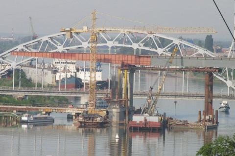 Новый мост на Сиверса.