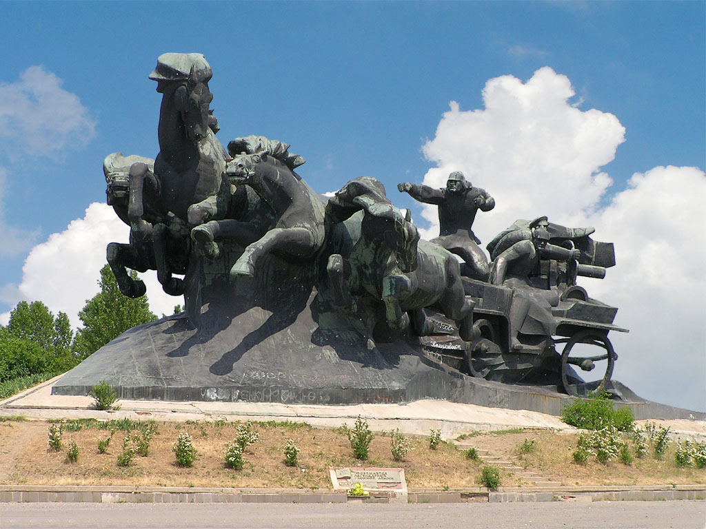 Тачанка скульптора Скнарина