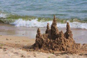 ...и башня из песка.