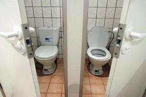 Туалеты в России стали делом коммерческим