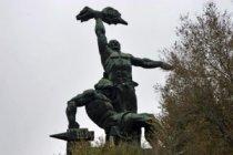 """Памятник Стачке, или """"Подвези на Западный!"""""""