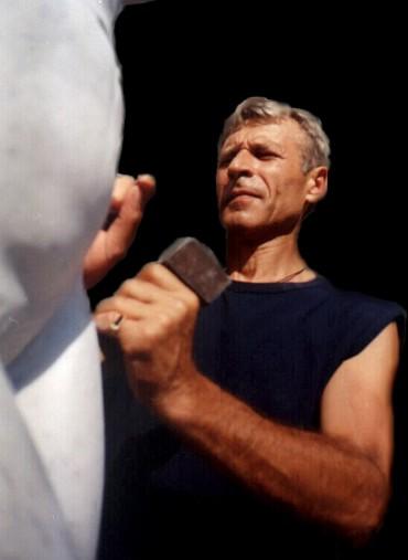 Скульптор Сергей Олешня.