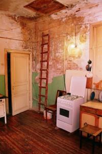 Кухня в коммуналке.
