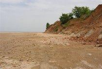 Пустынный берег.
