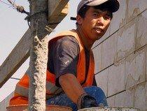 Узбек-мигрант тоже хочет простого человеческого счастья.