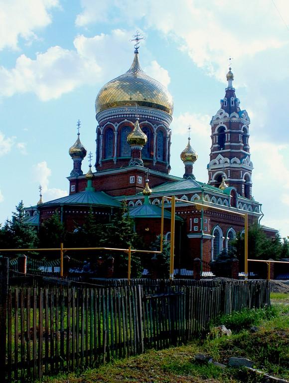 Преображенский храм является главной архитектурной достопримечательностью хутора Обуховка и доминантой в окрестностях.