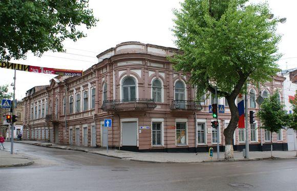 """Бывшее здание газеты """"Приазовский край""""."""