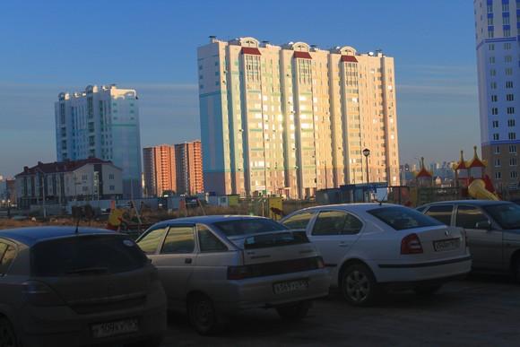 Парковка в Левенцовке.