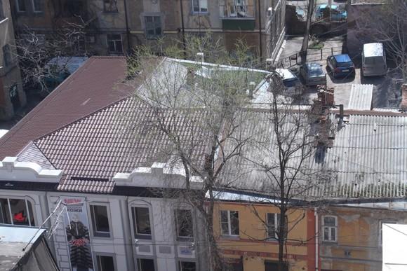 """Крыша с """"идейными"""" противоречиями."""