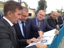 Игорь Гуськов со товарищи говорят и показывают.
