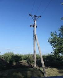 Земля коттеджного поселка уже частично располагает инженерией.