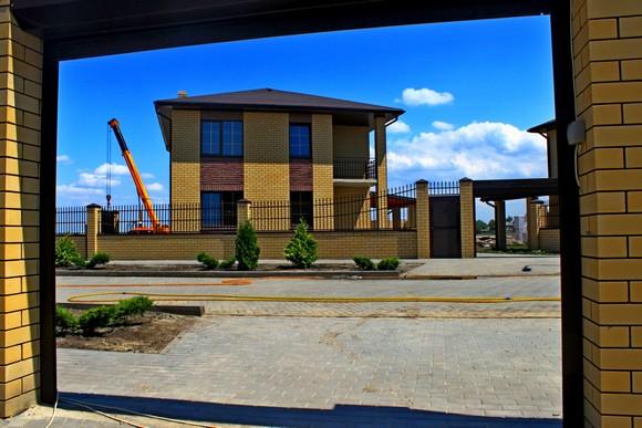 Готовый дом в благоустроенном поселке - лучший вариант