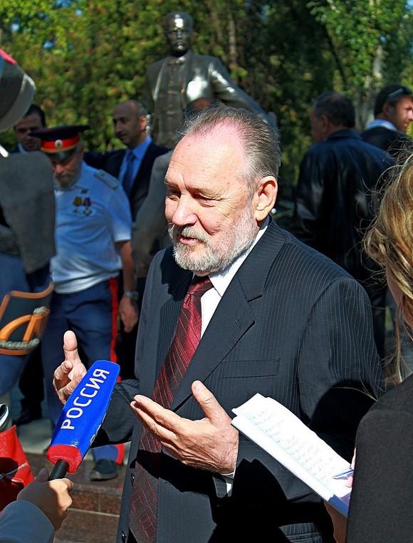 Анатолий Скнарин.
