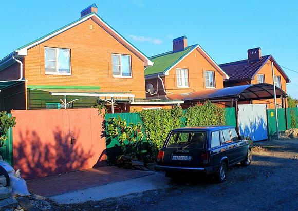 Из-за земельного дефицита садоводческие товарищества Ростова целиком застраиваются жилыми домами.