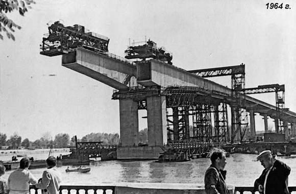 1964 год. Так строился Ворошиловский мост.