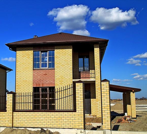 Самые компактные дома на Донской можно купить за 4 миллиона рублей.