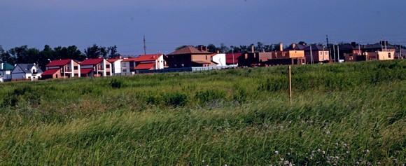 Панорама с видом на Изумрудный.