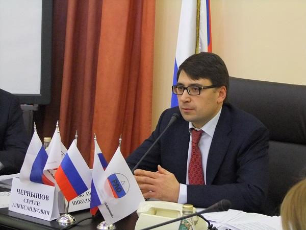Сергей Чернышов — могильщик импортных лифтов.