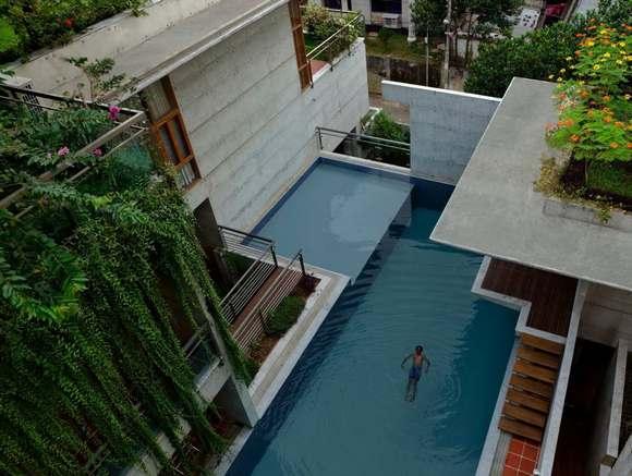 Бассейн - главное украшение индийского жилища.