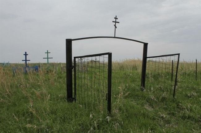 Кладбище в Больших Салах.