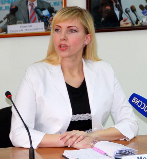 Елена Молотникова.