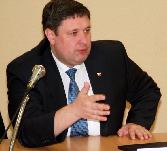 депутат Новопашин.