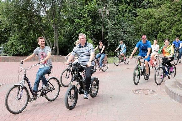 Василий Голубев не собирается покидать губернаторское кресло.
