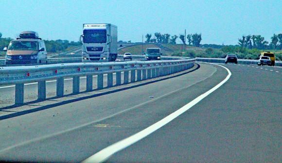 На пути из Ростова в Азов придется преодолеть несколько поворотов.