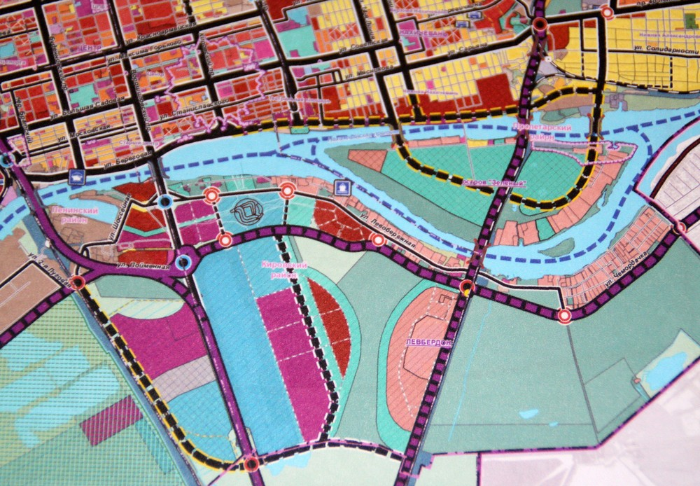 Так застроят Левбердон: розовый цвет — административно-офисные здания, темно-красный – жилье.