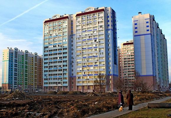 До прихода в Ростов одного из крупнейших застройшщиков — компании «Интеко» («Патриот») многие сомневались, что у панельного домостроения в принципе есть будущее. Застройщик доказал обратное: он успешно продает дома эконом-класса по ценам жилья в сегменте «комфорт».
