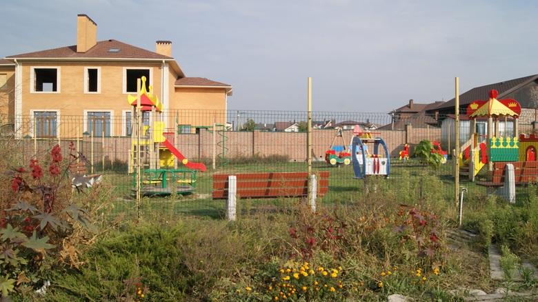 Детская площадка в Приозерье.
