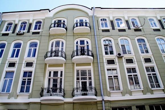 Так отремонтировали фасад памятника архитектуры по Семашко, 44, — чтобы на него глазели иностранцы, приехавшие на чемпионат мира по футболу.