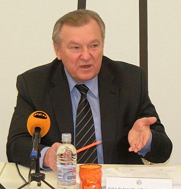 Владимир Арцыбашев на пресс-конференции.