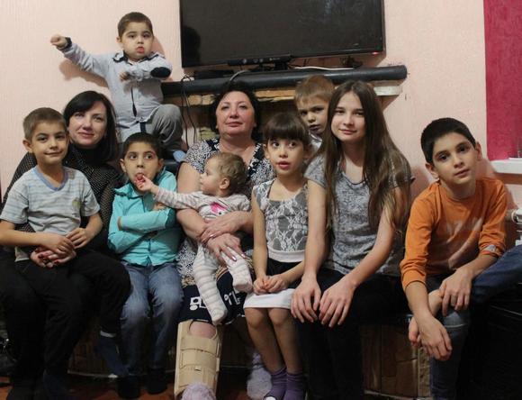 Многодетная семья Гасановых.