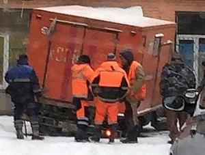 Техника Водоканала потерпела аварию в ростовском дворе.
